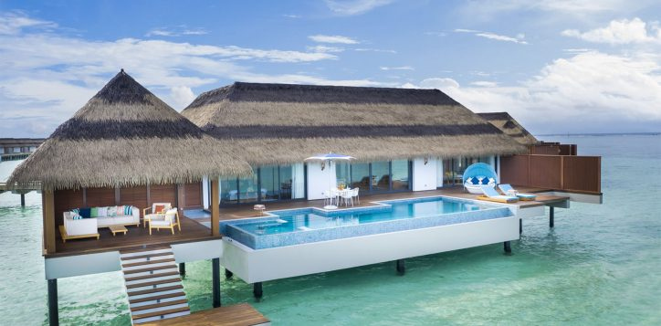 pmm_over-water-family-villa_pool-view